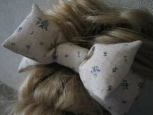 ハンドメイド大きめりぼんヘアゴム 綿麻ナチュラル小花柄