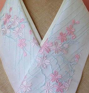 13【さくら】手縫/豪華で奇麗♪桜の刺繍チュールレース半襟・美品