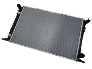 AUDI アウディ BEHR ラジエター 8K0121251AA/A4 S4 A5 S5 Q5