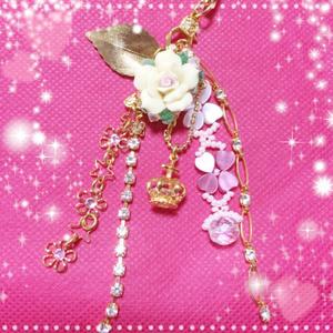 ハンドメイド★ストラップ★樹脂粘土/バラ/星/王冠/ハート