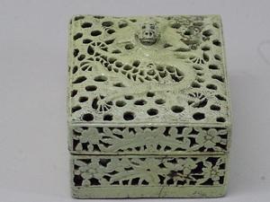 清朝中期~後期 緑釉透かし彫り朱肉入れ